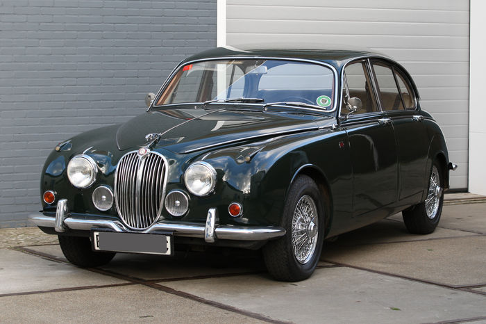 Jaguar 240 1